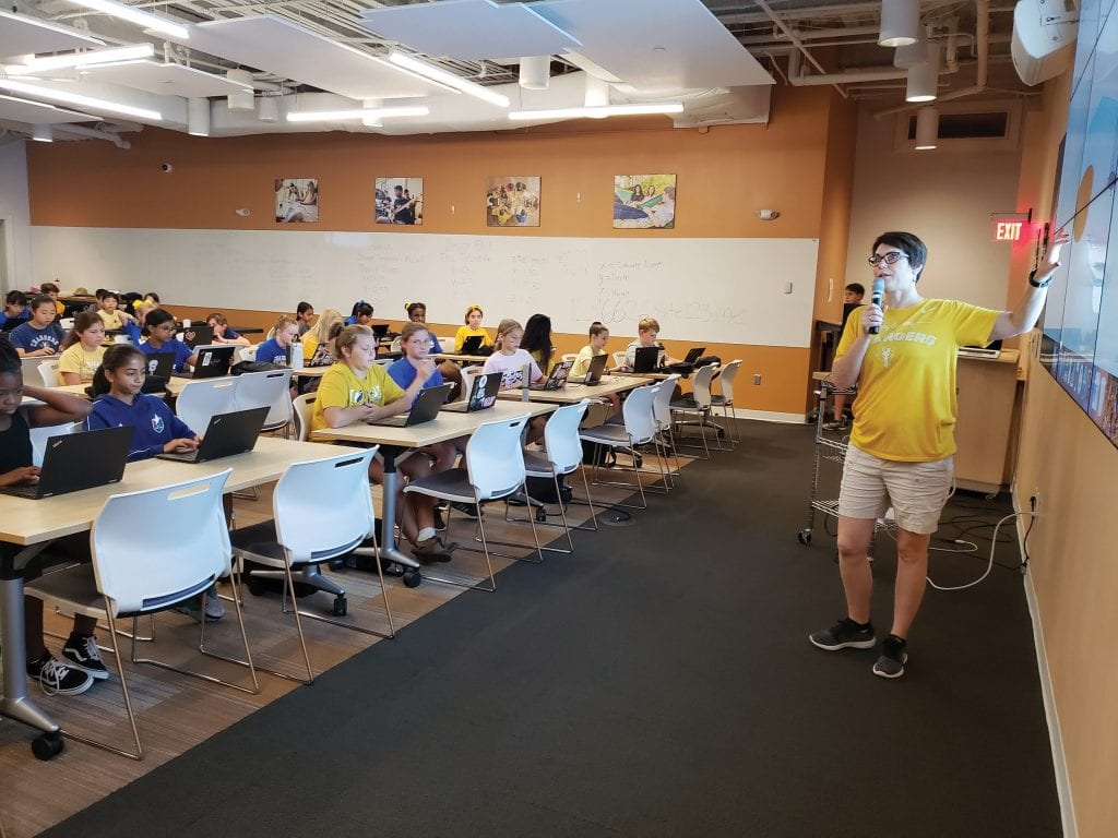 Leslie Williams teaches EdTech to Middle School students